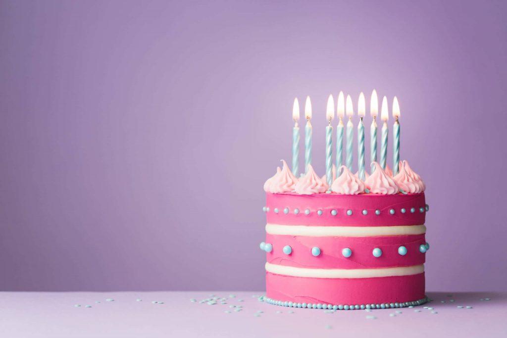 pink-birthday-cake-8WTJSAN-scaled